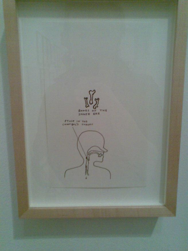 David Shrigley in der Modern Tate (ich steh quasi lachend davor).